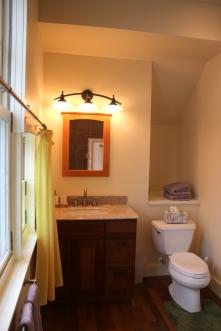 Studio garage apartment bath